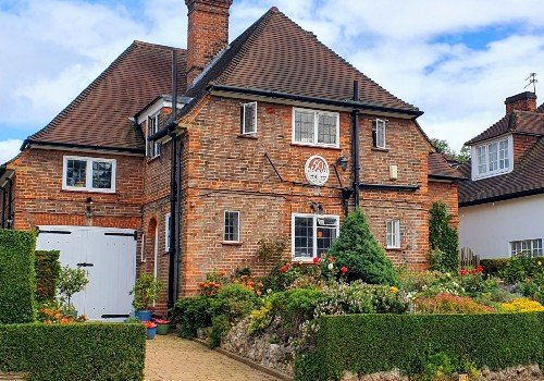 Hampstead Garden Suburb Detached House with front garden and garage