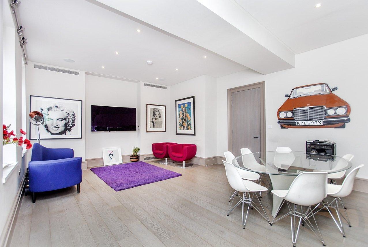 Soho-square-livingroom-1276